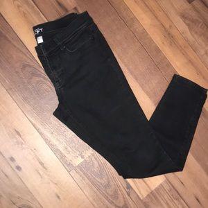 Black loft skinny jeans size 6